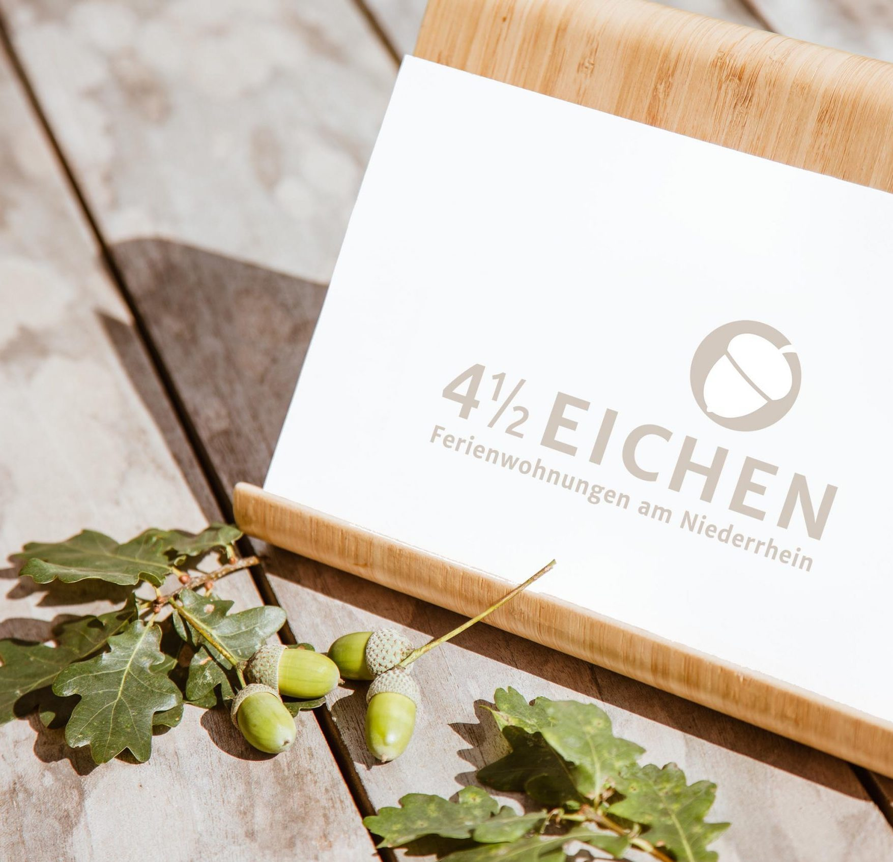 Viereinhalb Eichen Ferienwohnungen am Niederrhein Aufsteller Kontakt