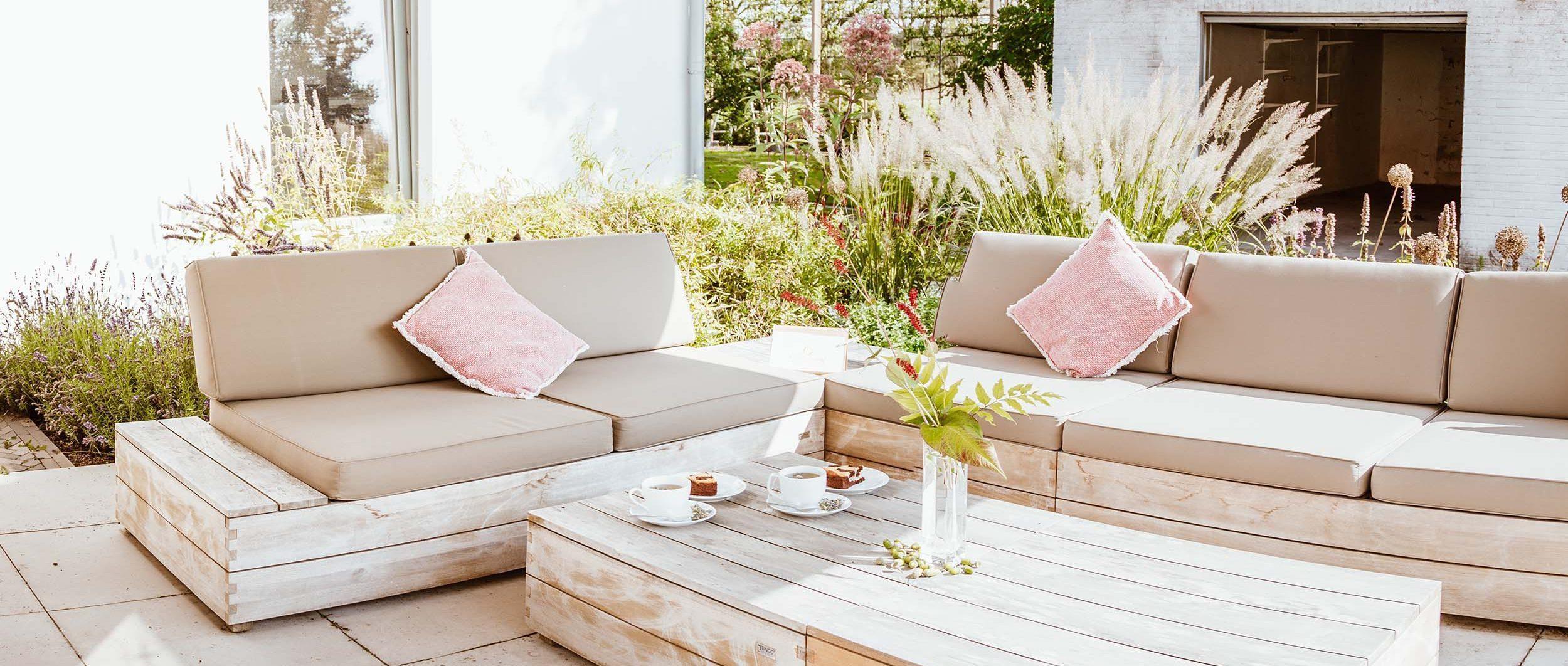 Viereinhalb Eichen Ferienwohnungen am Niederrhein Blick auf Terrasse